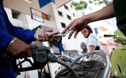 Giảm giá dầu 120-260 đồng/lít từ 15 giờ chiều nay