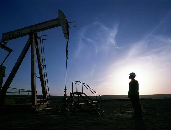 Giá dầu châu Á tiếp tục giảm do tín hiệu xấu từ Trung Quốc