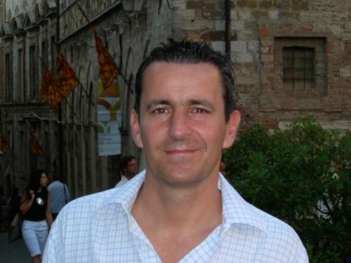 Giám đốc quỹ ngoại ca ngợi chứng khoán VN trên Forbes