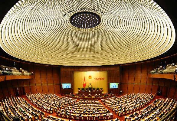 Khai mạc kỳ họp thứ 8 - Cân đối lớn của nền kinh tế chưa vững chắc