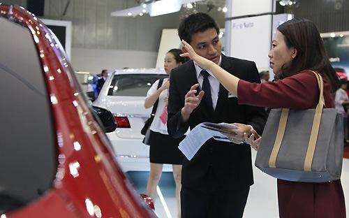 Việt Nam tiến sát kỷ lục 1,5 tỷ USD nhập khẩu ôtô