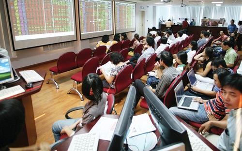 Bloomberg - Chứng khoán Việt Nam 2015 sẽ đạt đỉnh 7 năm