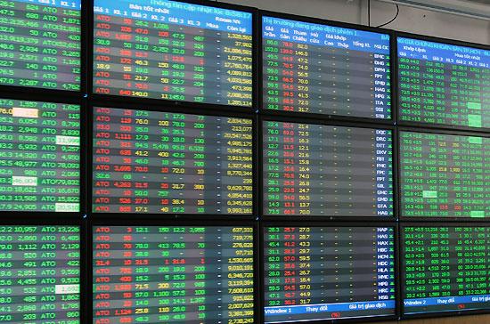 Chứng khoán sáng 30/1 - VN-Index cắm đầu vì ngân hàng