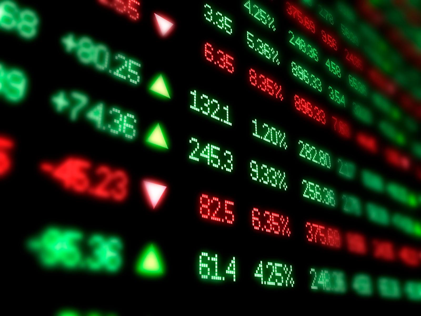 Nhóm cổ phiếu blue-chip tạo hậu thuẫn kéo chứng khoán xanh trở lại