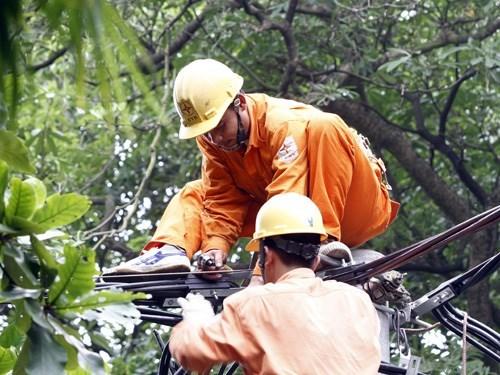 Điện tăng giá hơn 7%, EVN kêu vẫn chưa đủ