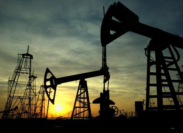Các nước lớn Châu Á giảm mạnh nhập khẩu dầu thô từ Iran