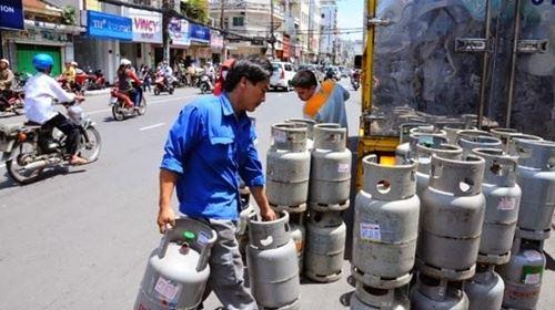 Giá gas giảm 4.500 đồng/bình 12kg