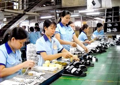 Xuất khẩu giày dép tăng mạnh, nhưng lo giá giảm
