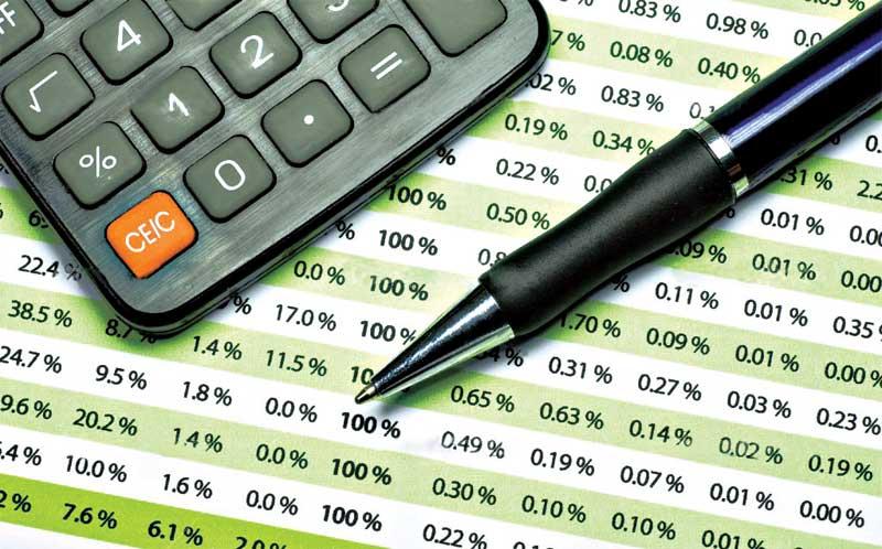 Tăng thuế, phí bù ngân sách - Khấu trừ vào nền kinh tế...