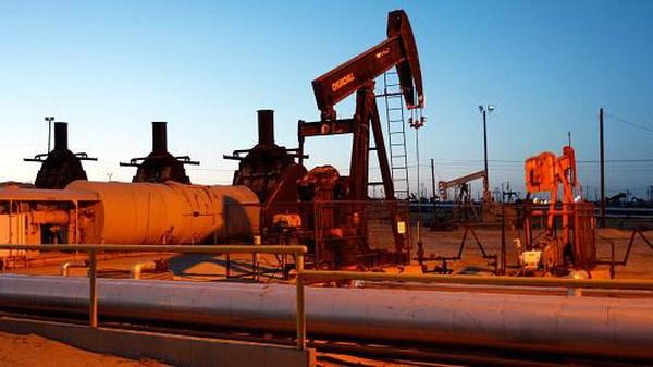 Giá dầu tăng trên thị trường châu Á do hoạt động mua vào nhộn nhịp