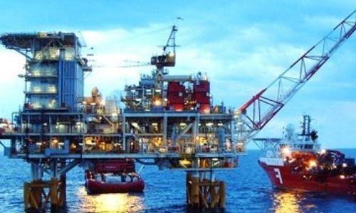 Xuất khẩu dầu thô giảm cả lượng và giá trị